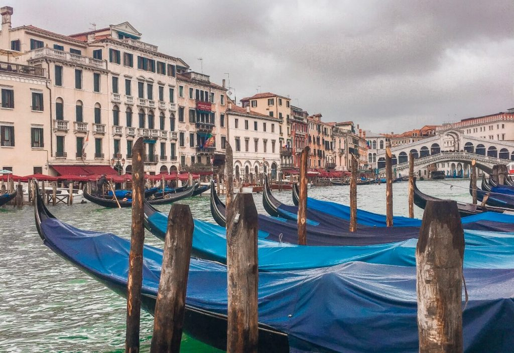 venezia-con-acqua-alta-01-letygoeson