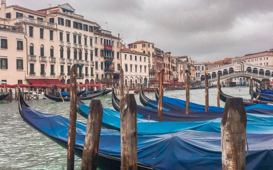 Venezia con l'acqua alta. I miei consigli per non rovinarti il weekend