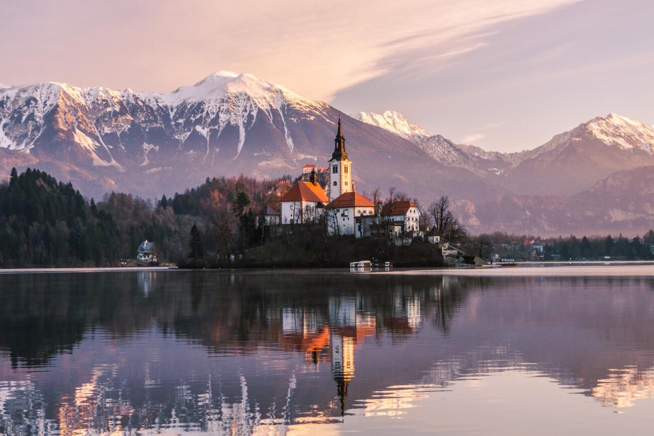 Fuga d'autunno sul lago di Bled, Slovenia